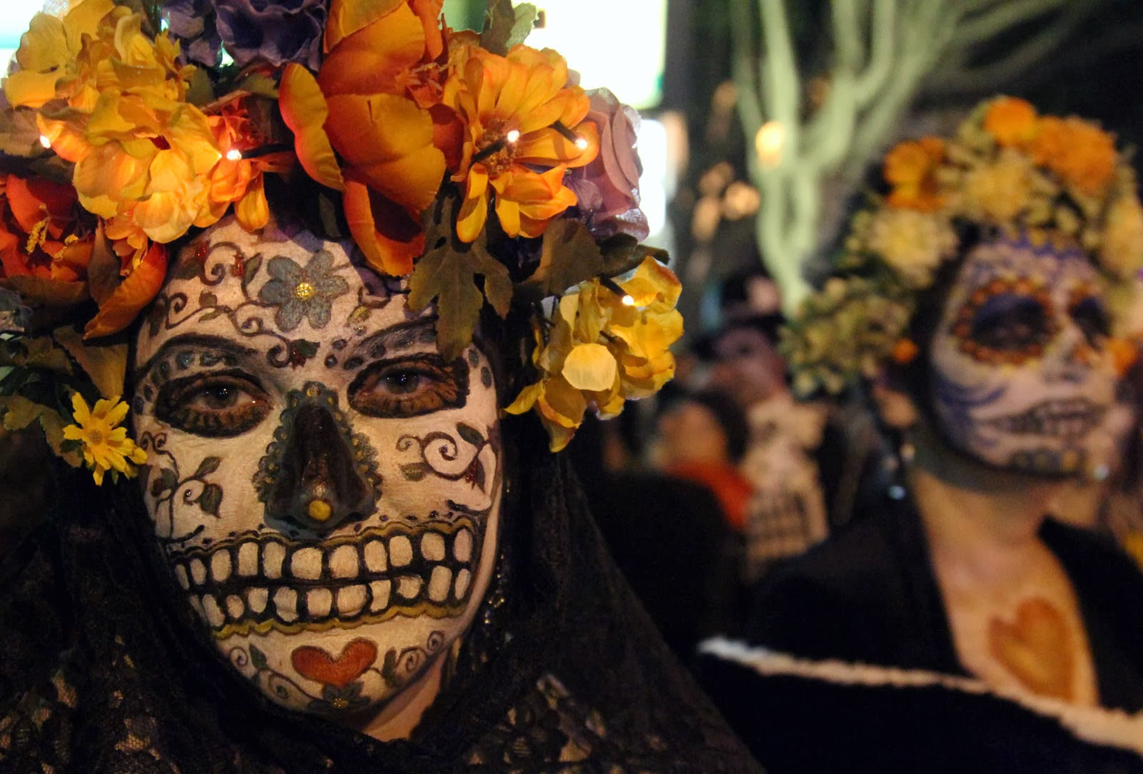 an overview of the ancient festivity the day of the dead or dia de los muertos Day of the dead by ricardo j this is an ancient festivity that has been much transformed through the years mexican day of the dead (día de los muertos.