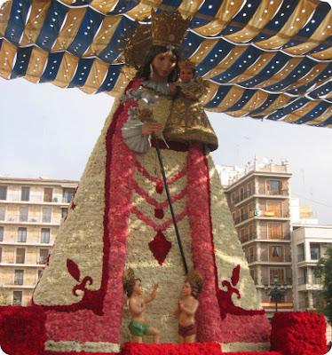 Valencia en Fallas-Ofrenda a la Virgen