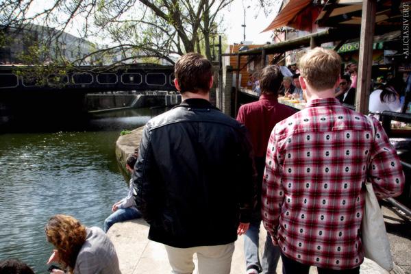 aliciasivert, alicia sivertsson, london med grabbarna, england, camden town, camden lock markets, regnet's canal