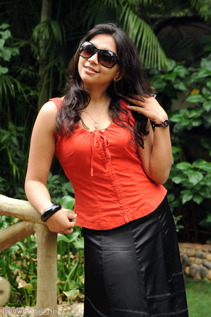 Sri Ramya Photos Latest Actress Debuted with Virodhi gallery pictures