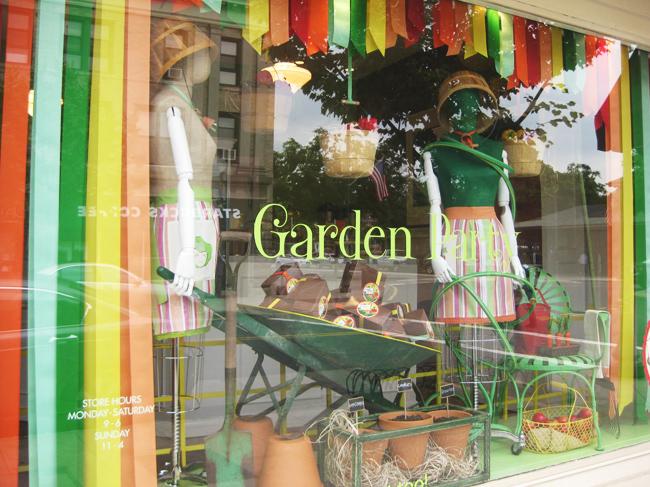 Bizzy Oven Mitt Bakery Cute Bakery Display Ideas