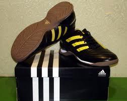 sepatu futsal adidas asli