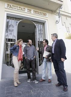 Diputados andaluces en mi clase de Derecho (2011). Nota informativa de la UCO: