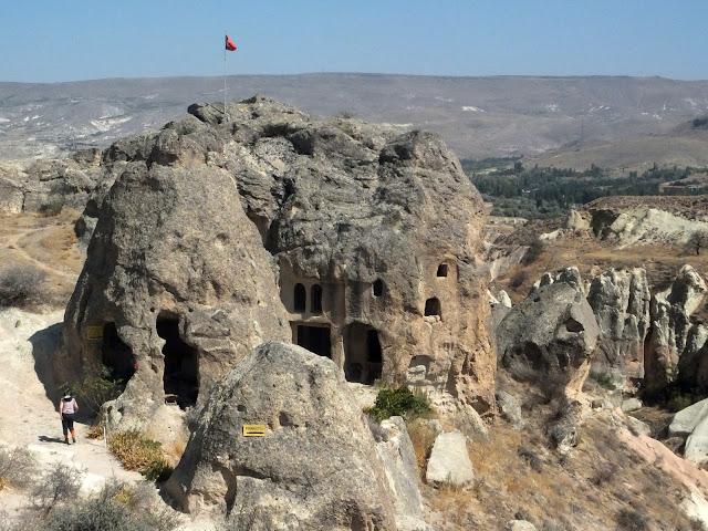 Монастырь и Змеиная церковь Каппадокия