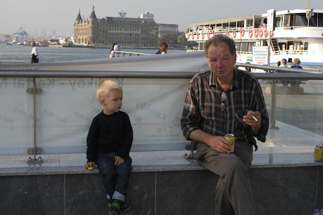 Anton and Faffa discussing the Metro.