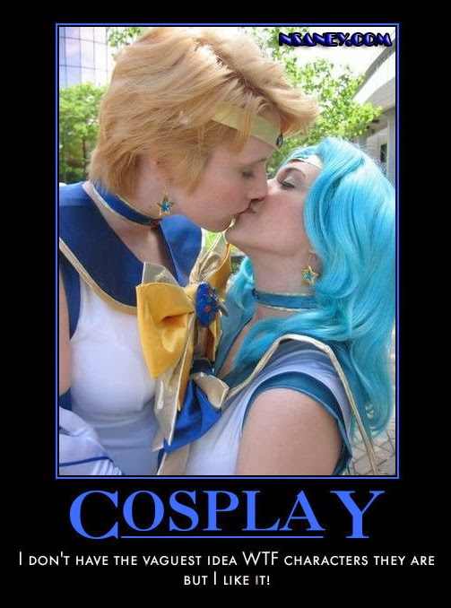 Girl Kissing The Moon Cosplay Sailor Moon's Kissing