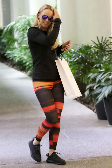 Tennis Player, @ Caroline Wozniacki - Christmas Shopping in Miami