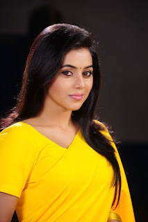 Poorna New Pictures in Yellow saree 011.jpg