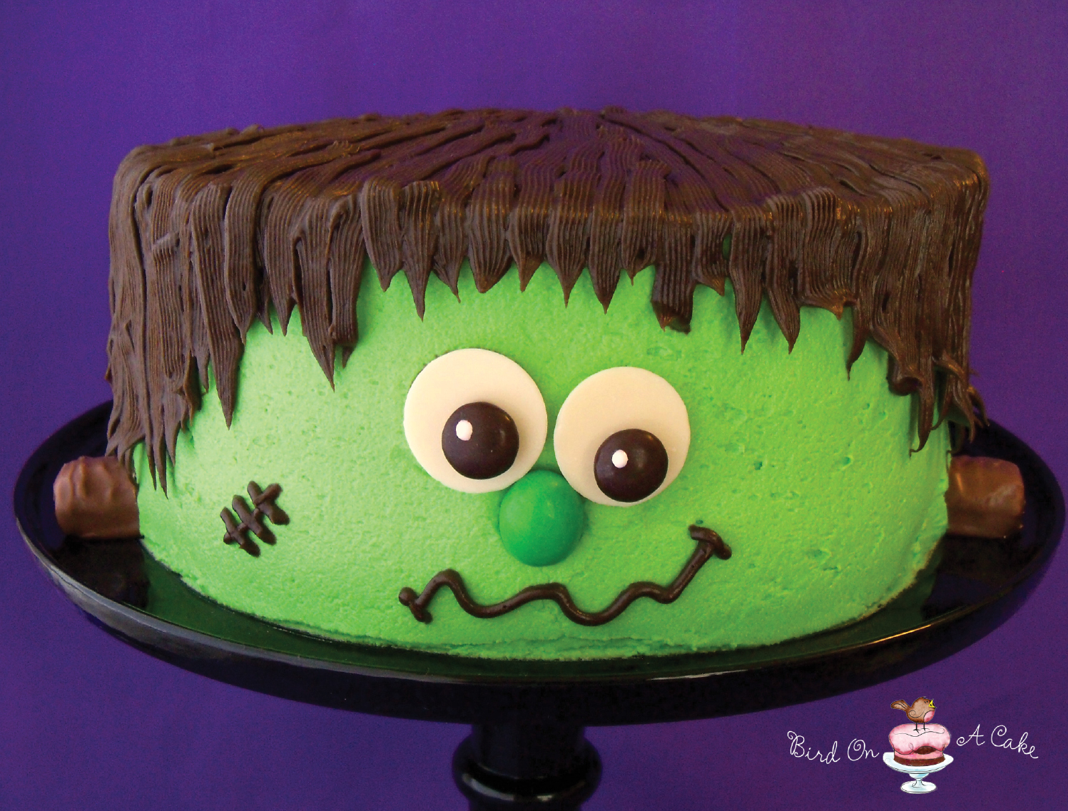 Bird on a cake frankenstein 39 s monster cake Cute easy halloween cakes
