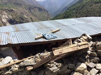 Schools Destroyed in Nepal Earthquake. Help Support Nepal Indonesia Klinik Akupunktur Bandung Support Nepal Menyumbang Untuk Nepal