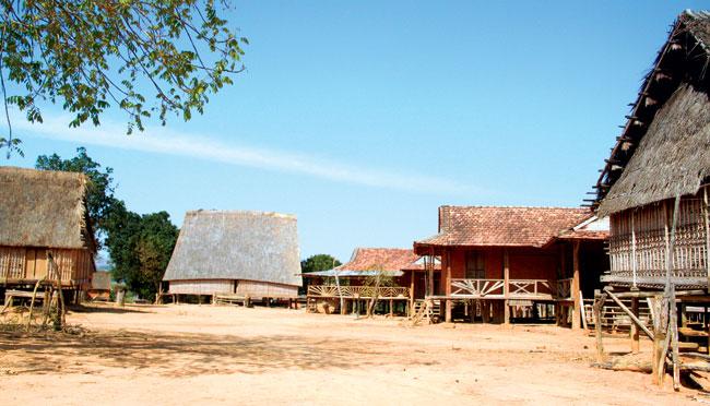 Gia Lai: Vẻ đẹp nguyên sơ của ngôi làng bỏ hoang ở Tây Nguyên