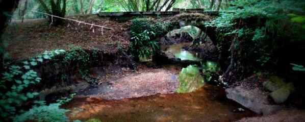 http://invisiblebordeaux.blogspot.fr/2015/08/following-eau-bourde-from-its-source-to.html