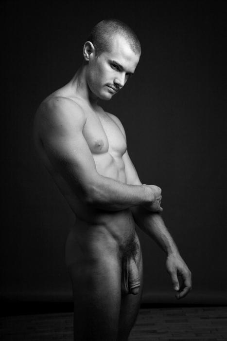 Desnudo masculino desnudo aficionado