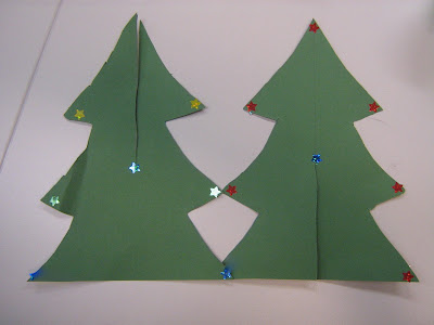 how to cut paper for standing christmas trees