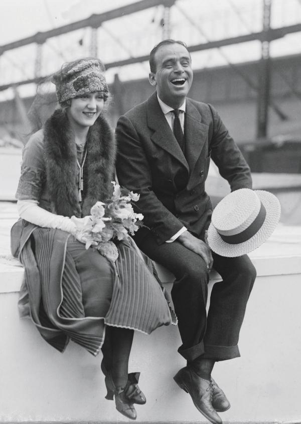 """美國20年代的""""好萊塢之王""""Douglas Fairbanks及其妻子Mary Pickford"""