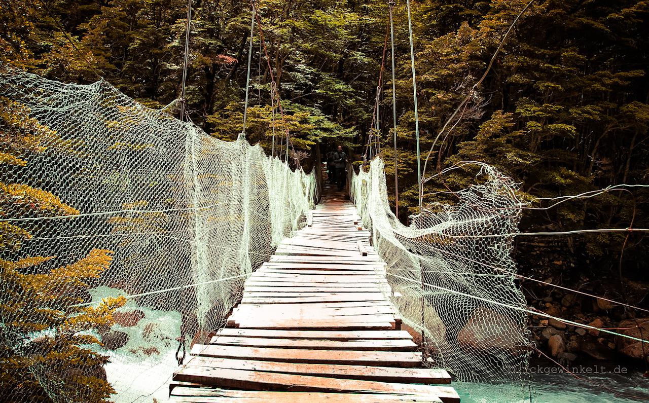 Hängebrücke im Torres del Paine Nationalpark, Chile