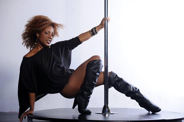 pole Black dancing girls