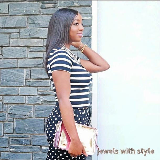 black and white outfit ideas, outfit inspiration, print mixing, stripes and polka dots, black fashion blogger, how to wear black & white, jewels with style, striped crop shirt, polka dot pants