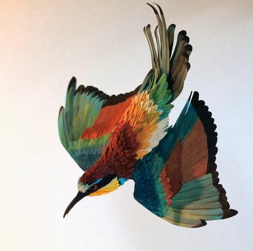 07-European-Bee-Eater-Paper-Bird-Sculptures-Colombian-Artist-Diana-Beltran-Herrera-www-designstack-co