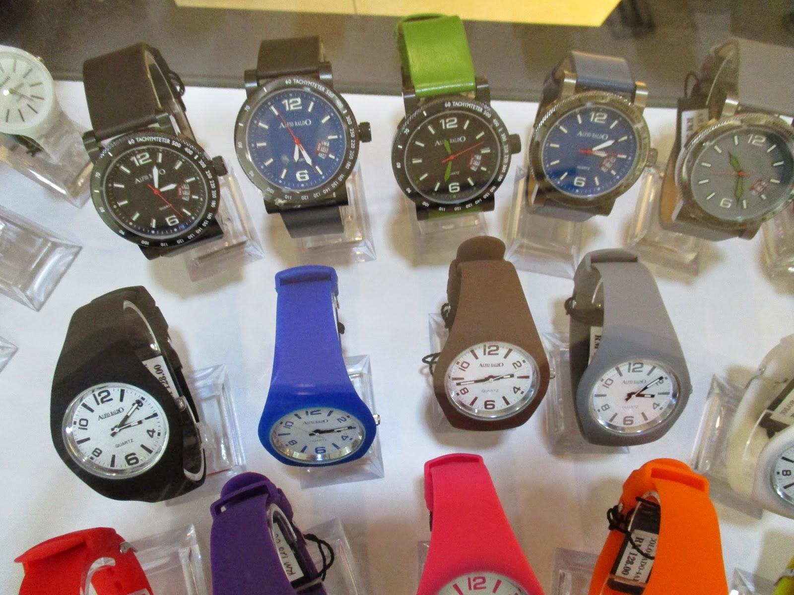 Boleh dikatakan semua pilihan fesyen yang korang nak ada di Alfio Raldo Baik beg tangan kasut card holder jam tangan dan juga cermin mata untuk lelaki