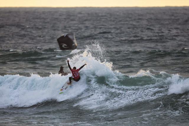 39 Rip Curl Pro Bells Beach Adriano de Souza WSL Kirstin Scholtz