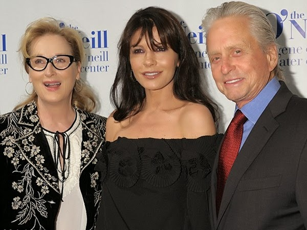 Meryl Streep Outshines Zeta Jones With Her Horn Rimmed Glasses