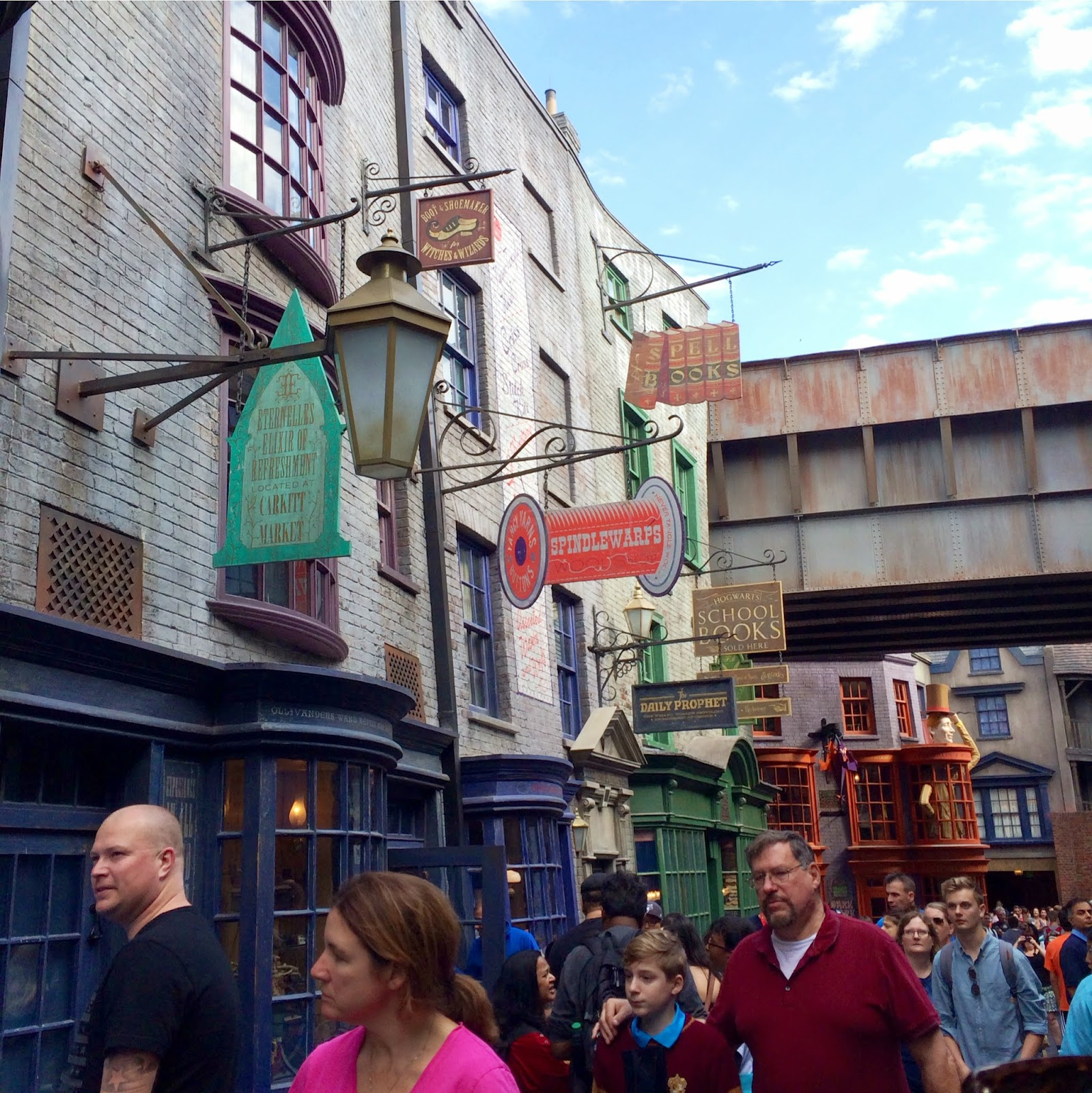 diagon alley, harry potter world universal studios