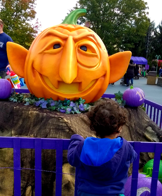 head to sesame place this weekend for the counts halloween spooktacular - Sesame Place Halloween