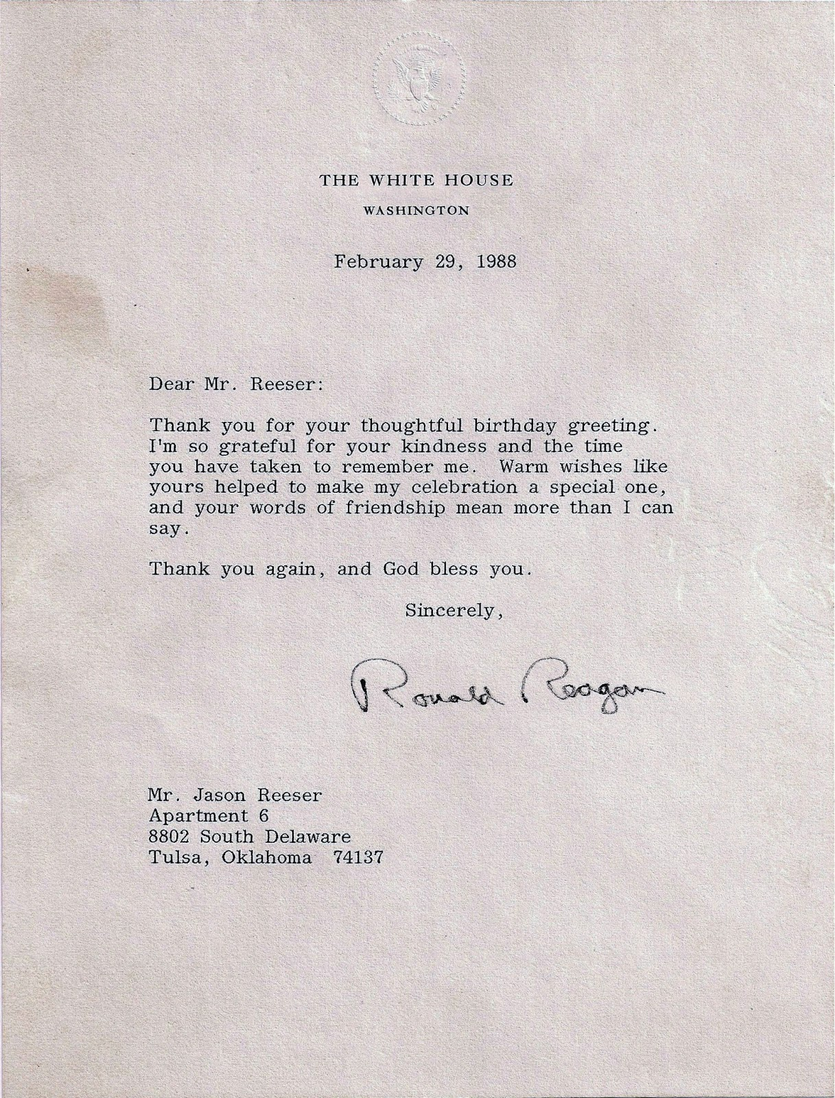 Room with no view a note from ronald reagan twenty five years ago now despite the fact that the signature had been signed with a felt tip pen i had no illusions that president reagan had actually signed the paper bookmarktalkfo Choice Image