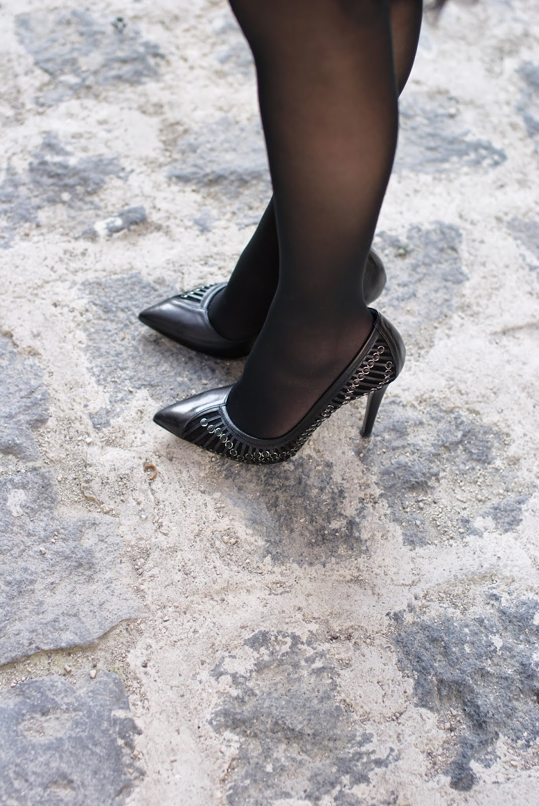 Loriblu pumps, black tights, Fashion and Cookies, fashion blogger