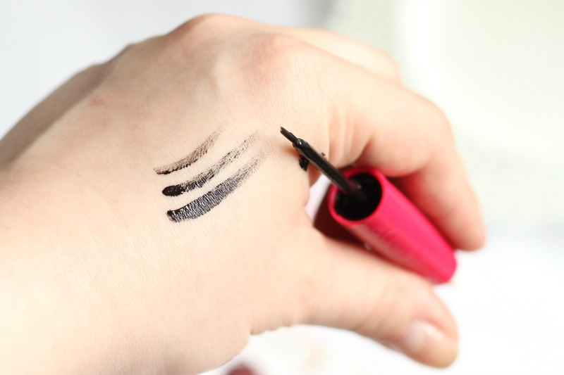 BOURJOIS Liner Effacable Erasable liner z gumką