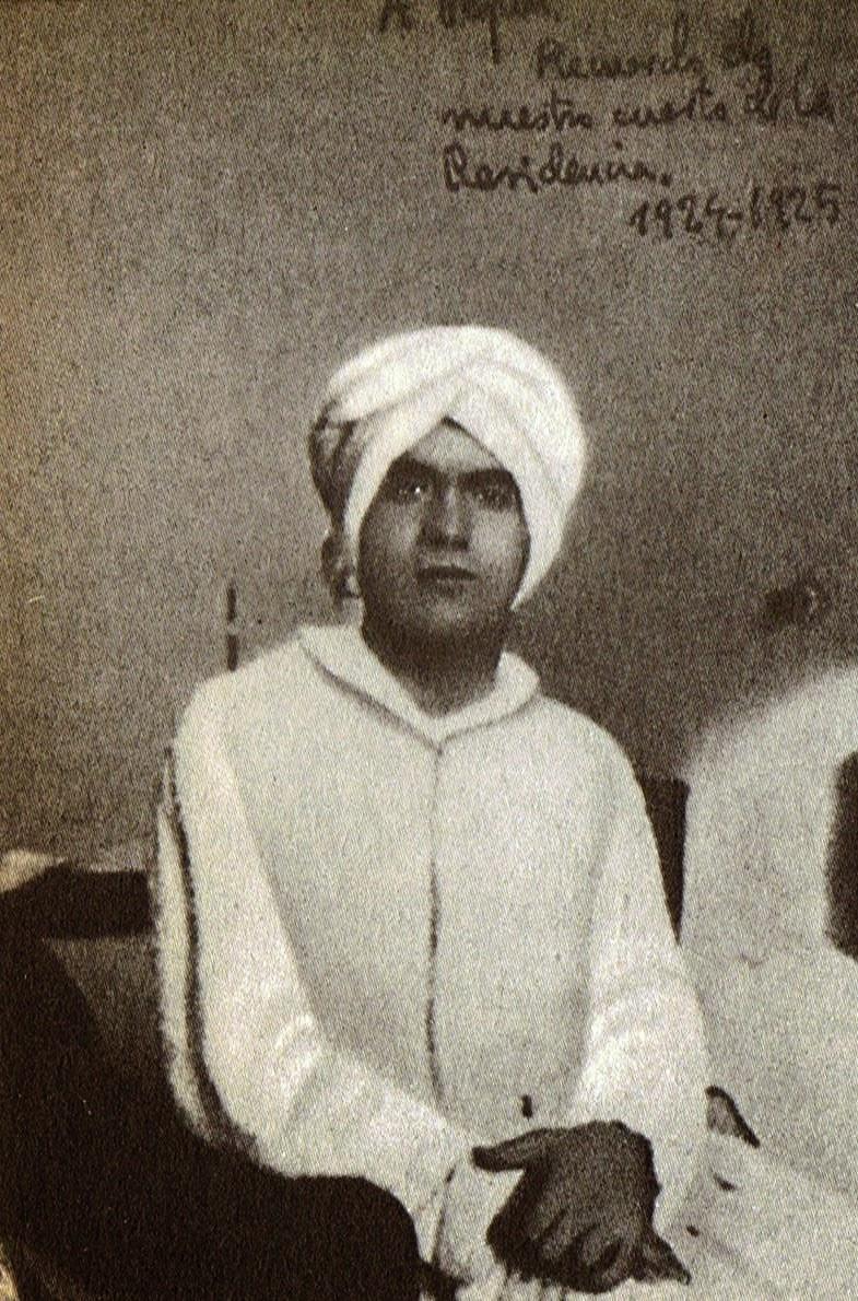 Lorca vestido a la usanza árabe