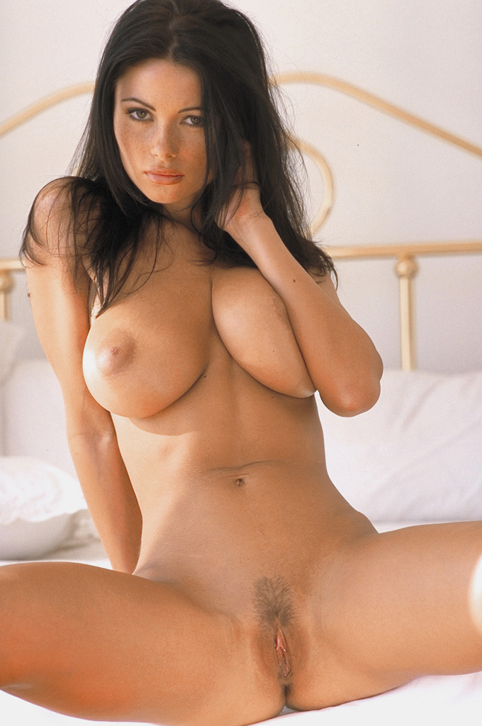 Veronica Zemanova Naked In Bed