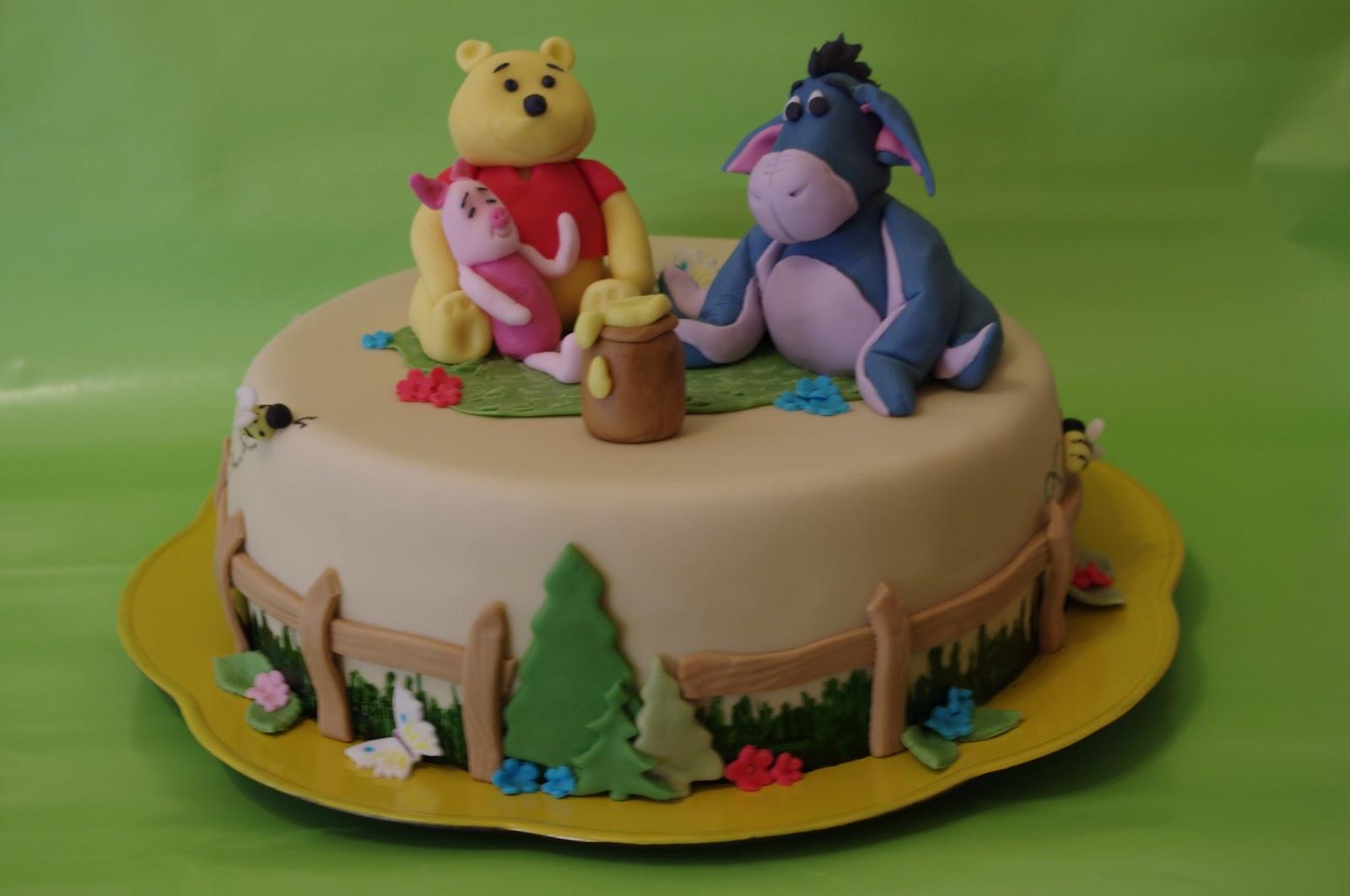 Tortenelfes blog backe backe kuchen winnieh pooh for Winnie pooh kuchen deko