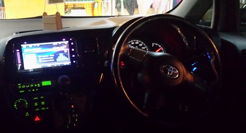 Toyota wish, kereta wish hitam, audio system, pasang video player kereta