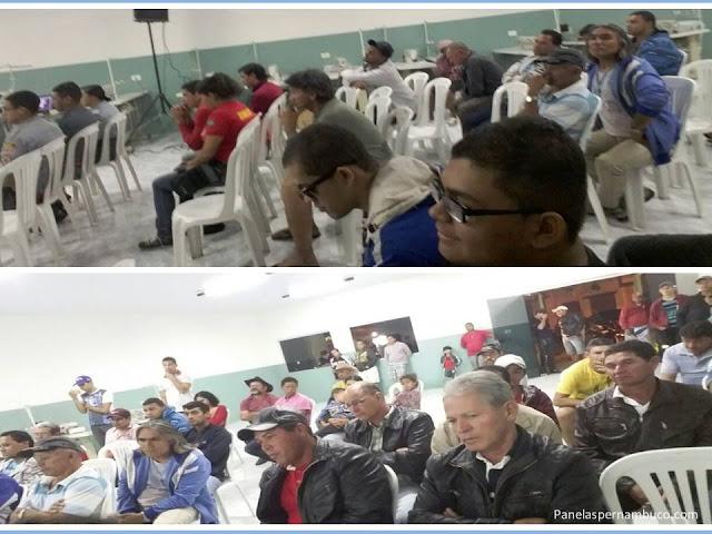 Publico presente na 6ª Reunião Ordinária do Legislativo Municipal de Panelas (PE) em Cruzes