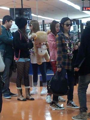 Foto 2NE1 di Bandara Filipina 1