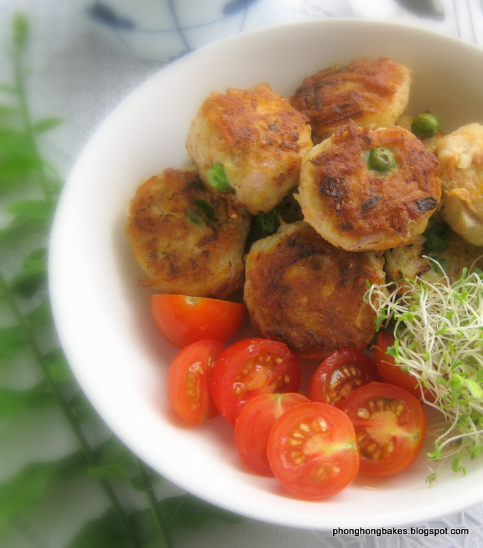 Phong Hong Bakes and Cooks!: Mummy's Fried Meatballs