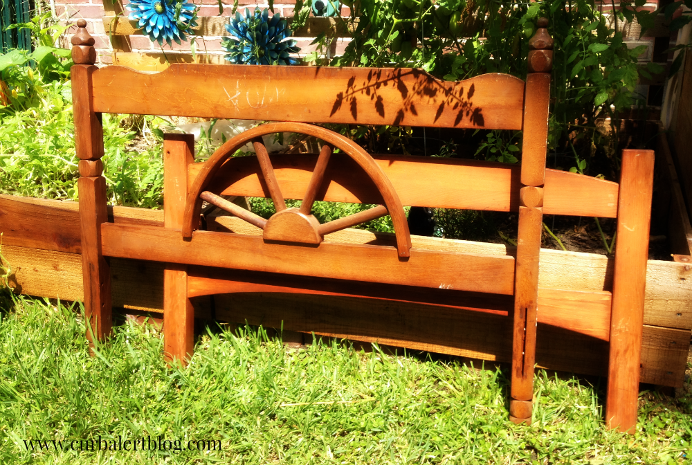 Rustic/Western Headboard Bench Makeover with Annie Sloan Chalk Paint and Minwax Stain via Curb Alert! http://www.curbalertblog.com