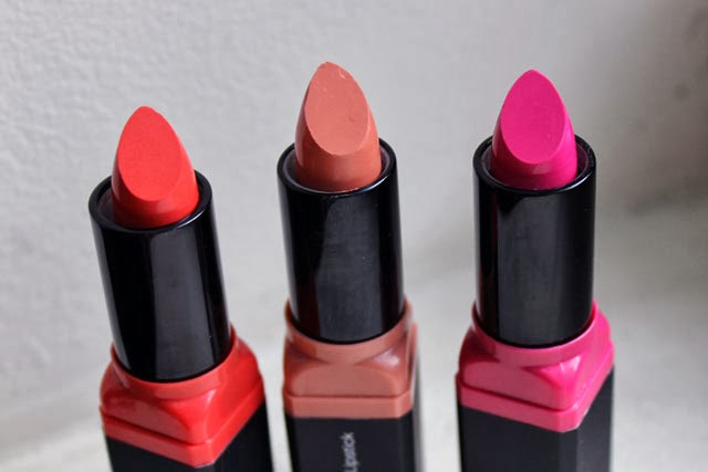 e.l.f. Studio Moisturizing Lipstick Flirty & Fabulous, Party in the Buff, Coral Cutie