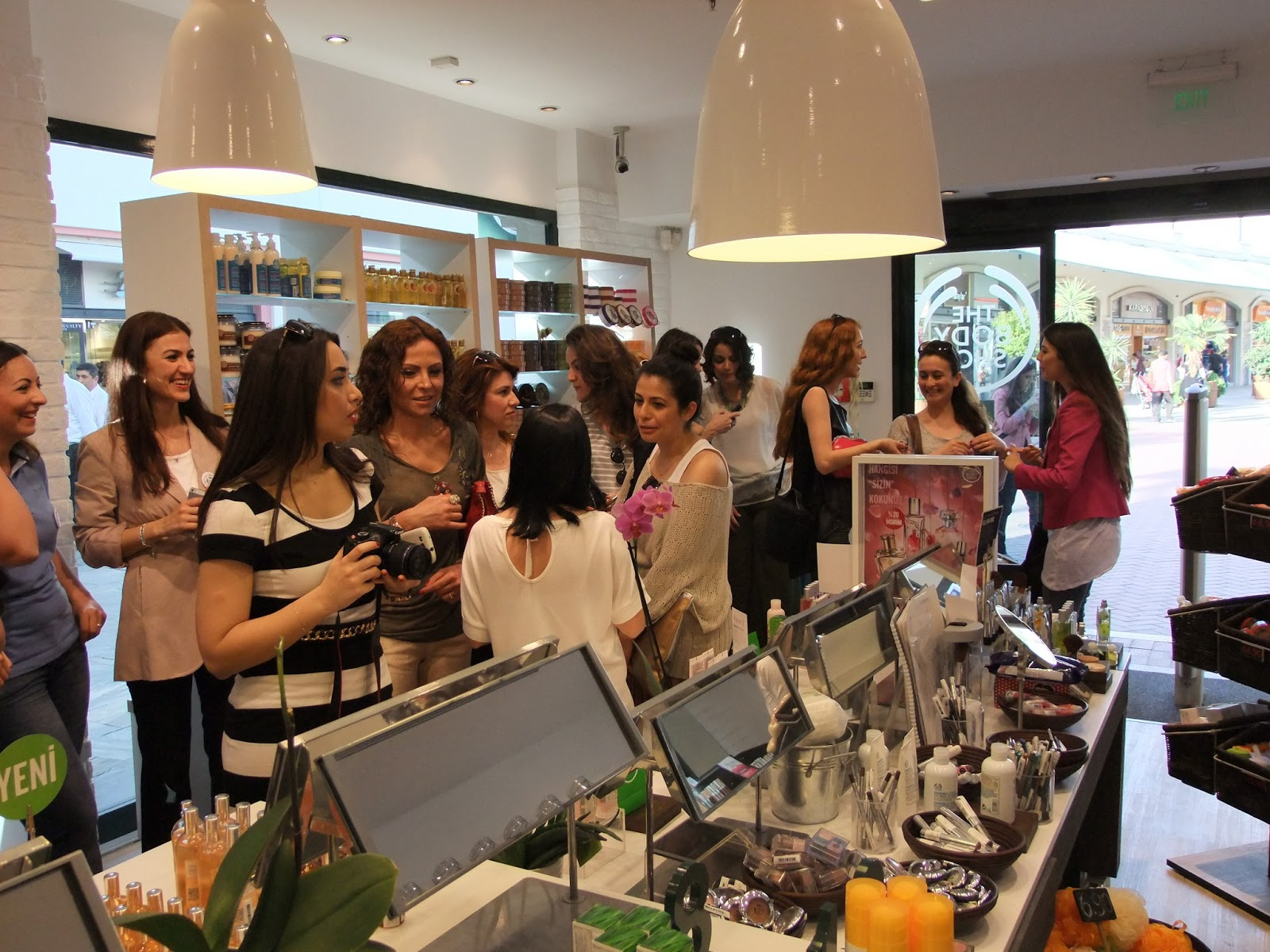cultural values of the body shop The body shop values report our commitment find the perfect brush experience the ritual of gold radiance intelligent skincare.