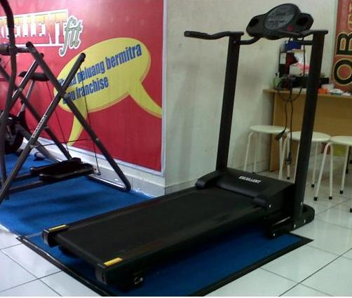 Lowongan Kerja - Celebrity Fitness Trainer | INFO MOBIL