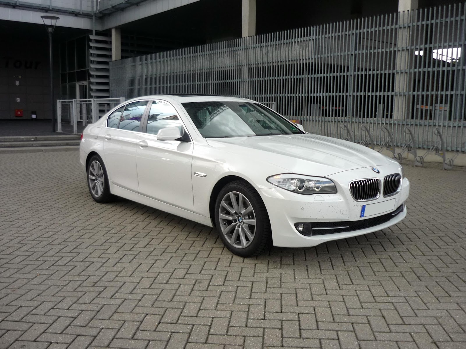 guitigefilmpjes car review bmw 520d f10