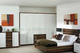 desain lemari tanam minimalis di dinding