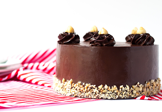 chocolate mud cake with chocolate ganache