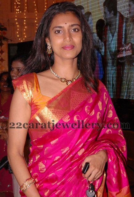 Kasthuri Kundan Choker Jewellery Designs
