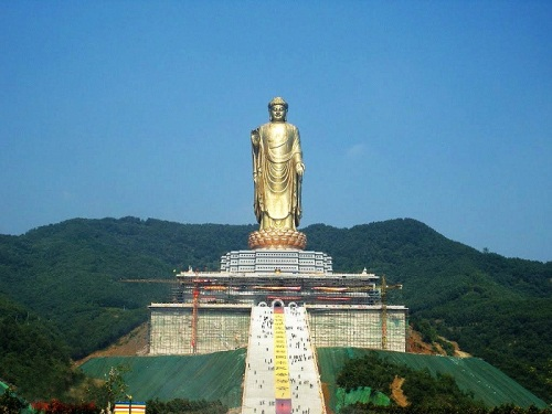 THE TALLEST STATUE OF THE WORLD