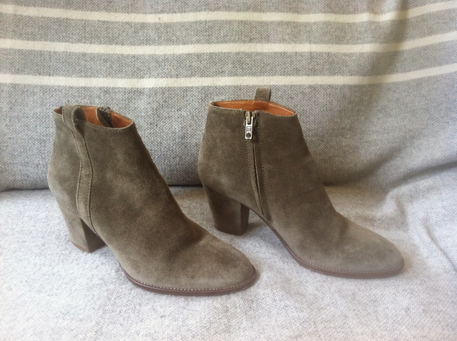 laws of general economy sold madewell billie suede