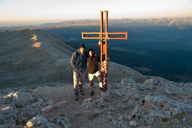 Io e Marco all'alba sul Monte Amaro