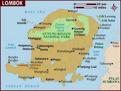 Travel tips to lombok indonesia travelling information the word lombok means chili pepper in bahasa indonesia however the local cuisine isnt quite as spicy as you might expect for the map you can see google gumiabroncs Choice Image